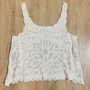 🎉5 for $25🎉 Taylor & Sage Lace Top